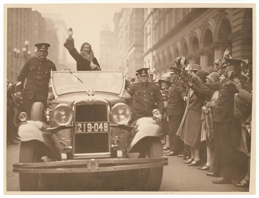 Amy Johnson motorcade in Sydney, 1930 / photographed by Sam Hood