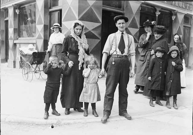 The Rileys  -  Survivors of the sinking of the Lusitania, Cobh (formerly Queenstown), Co. Cork