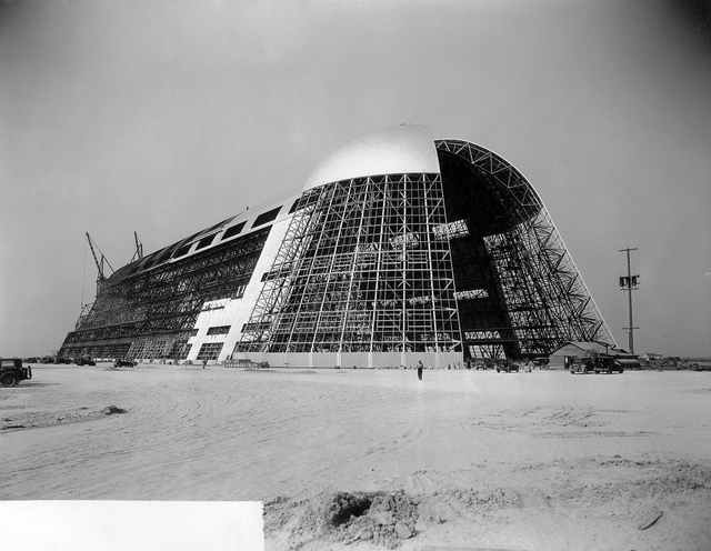 Construction of Hangar One at NAS Sunnyvale circa 1931 - 1934