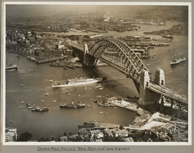 Dutch mail packet New Zeeland ship passing under Sydney Harbour Bridge, 19 March 1932