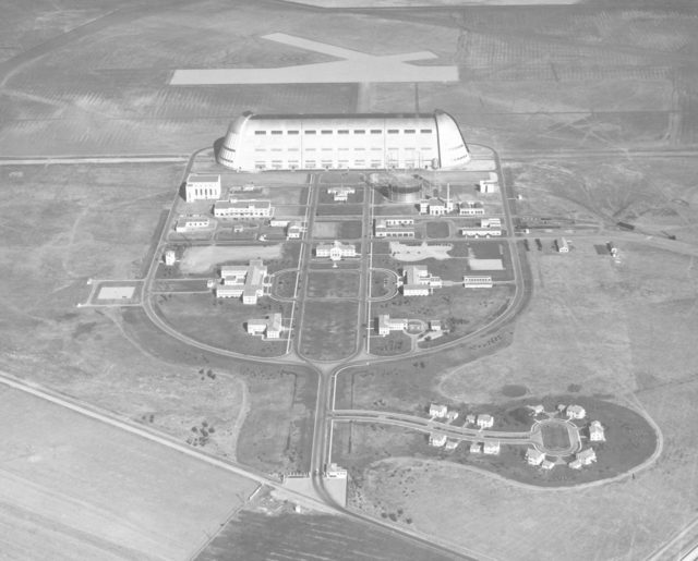 Naval Air Station Synnyvale, Mt View, Ca (aerial) ARC-1935-A93-0073-7