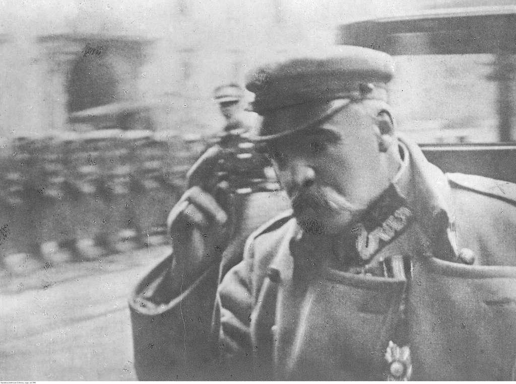 Józef Piłsudski na uroczystości (22-398)