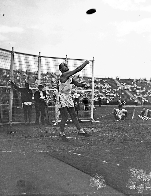 [Discus competition at the 1936 Randall's Island Olympic trials, New York, NY]