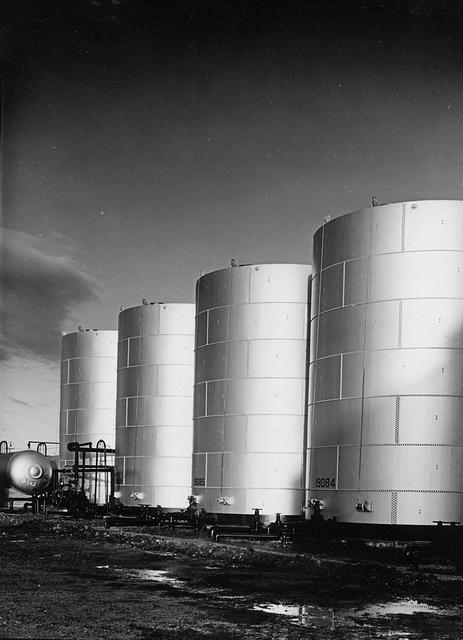 Texas Co. - refinery, Tanks