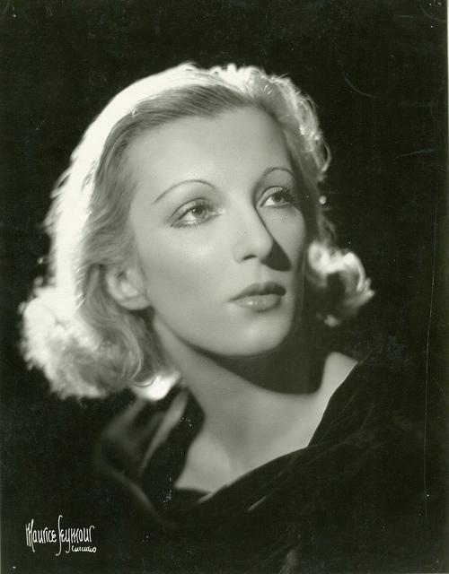 Tatiana Riabouchinska, ballerina, ca. 1938 / photographer Maurice Seymour, Chicago