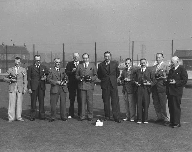 Hawthorn Leslie shipbuilders playing bowls