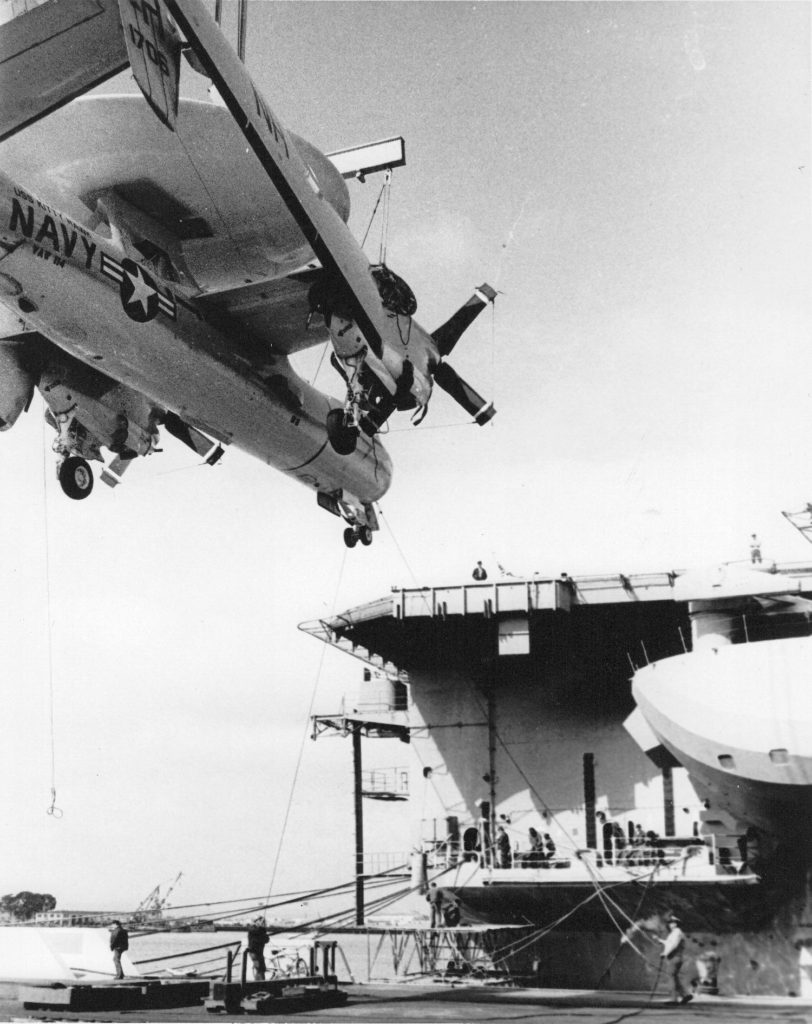 Grumman E-2A, 151706, VAW-114