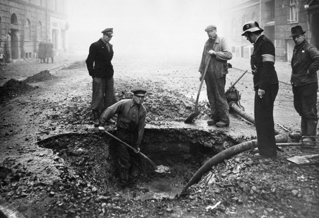 Bomb crater at Njalsgade in Copenhagen after the RAF attack on B&W