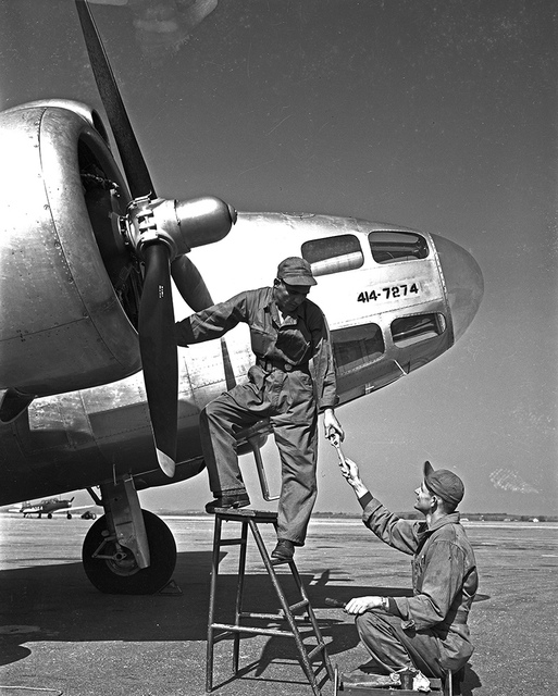 [Mechanics, Lockheed Hudson AT-18A, Pepperell Manufacturing Company]