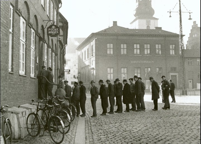 Queue outside a soup kitchen,at Klostertorv in Ålborg 1943 (WW2)