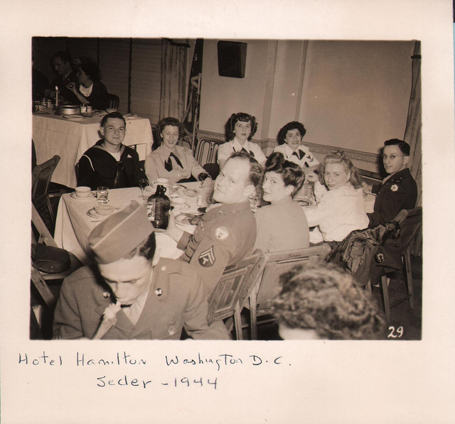 1944 Passover for members of the Armed Services in Washington, DC
