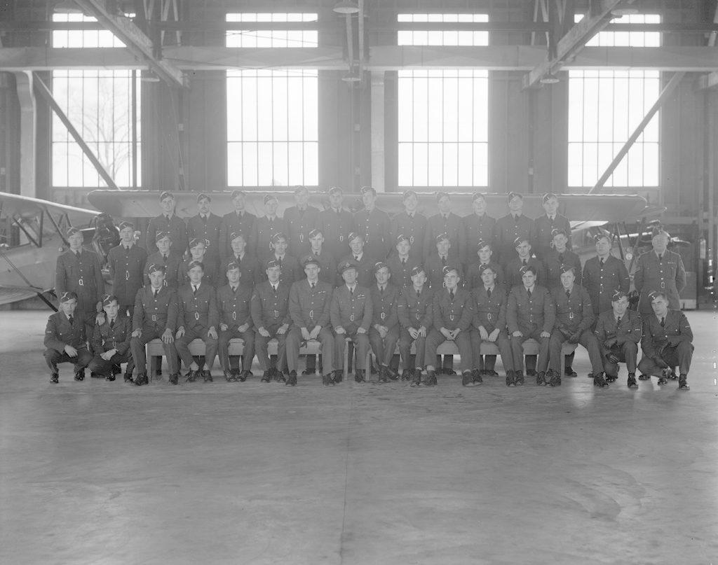 No. 15 Sky Harbor Class, 11 ноября 1941 г.
