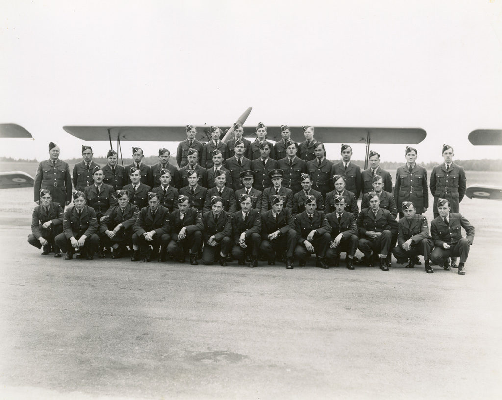 Sky Harbour EFTS No. 12 Class 14, October 9, 1941