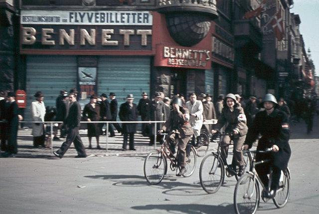 Biking freedomfighters in front of the Bennett travelling agency at Rådhuspladsen (town square) in Copenhagen.