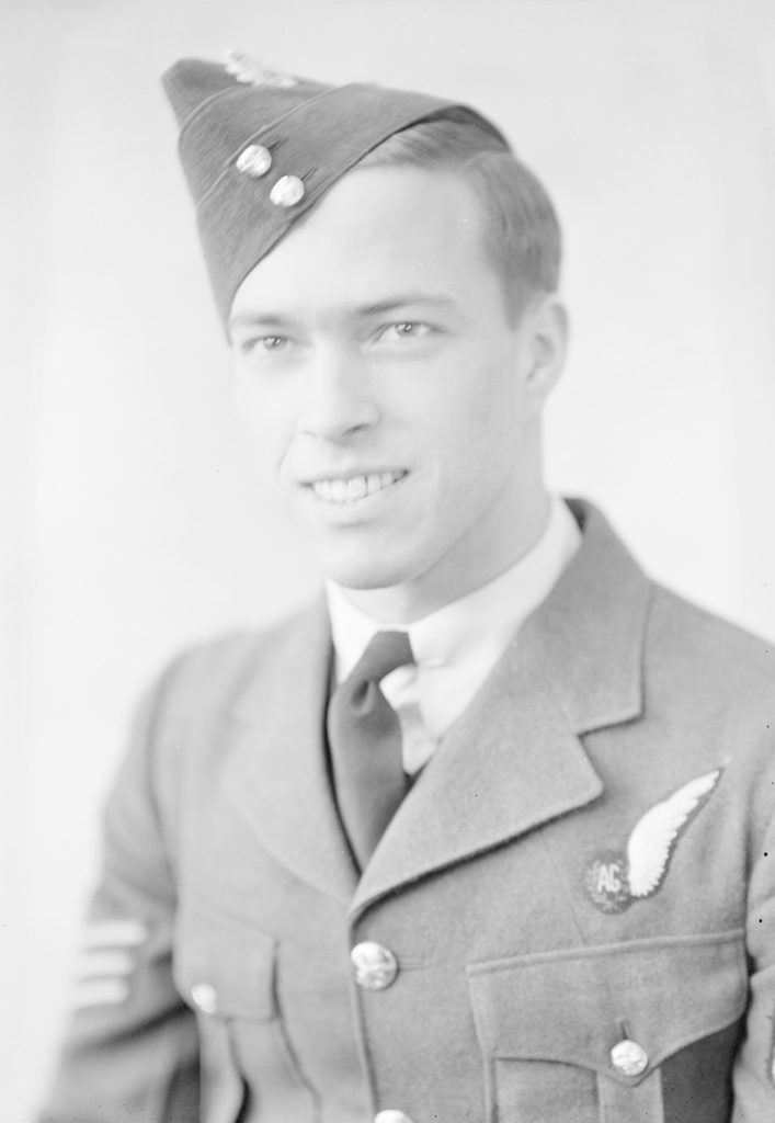 Hunking, E., about 1940-1945