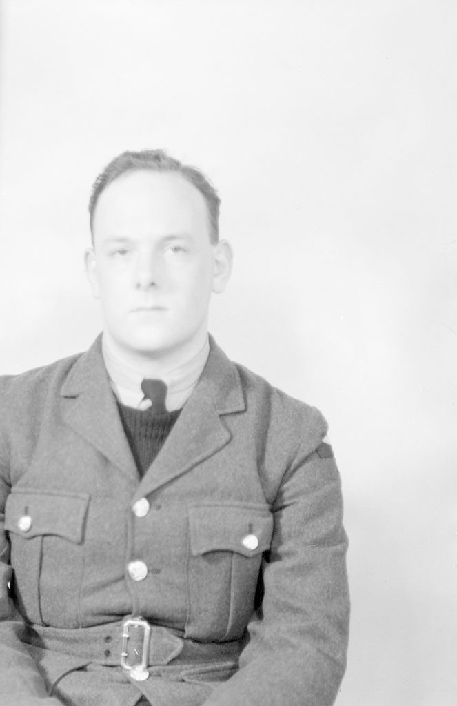 Hutching, about 1940-1945