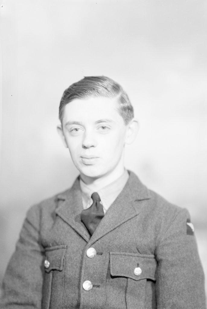 J. Тиммс, Х.О. Южный, около 1940-1945 годов