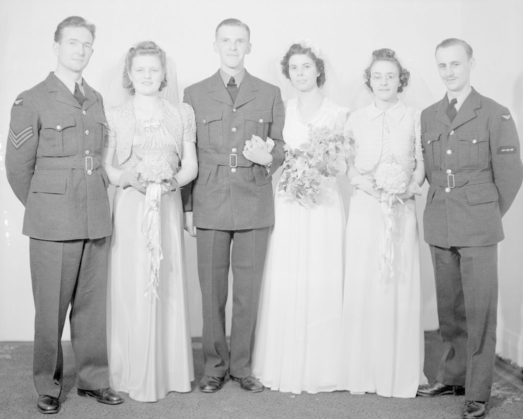 Kempsler Wedding Party, about 1940-1945