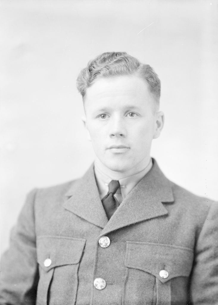 M.L.G. Лопес, около 1940-1945 гг.