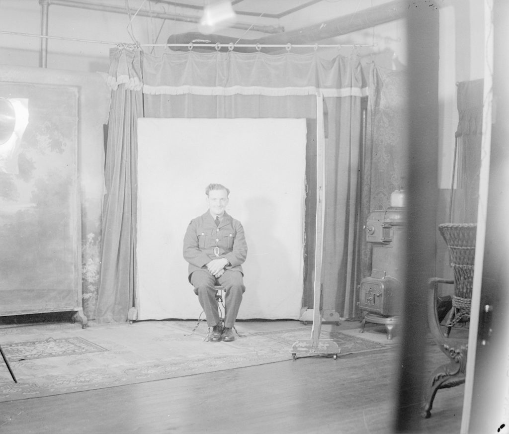 Р.Дж. Дэвис, около 1940-1945