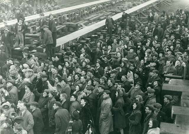 Crowds at the launch of the 'British Princess'