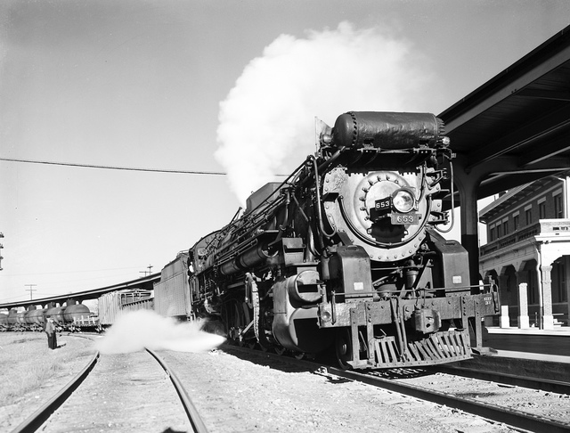 [Locomotive 653 Arriving at Depot, Texas & Pacific Railway Company]