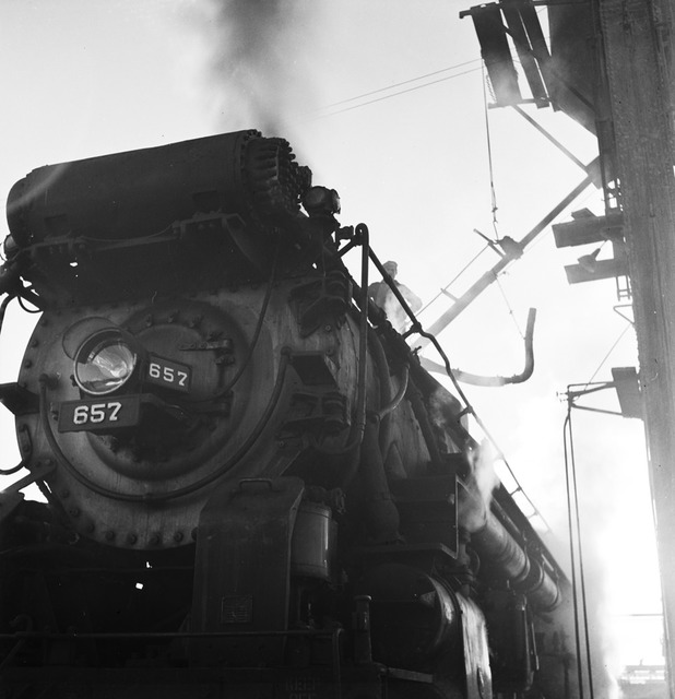 [Refilling the Sand Dome of Locomotive 657, Texas & Pacific Railway Company]