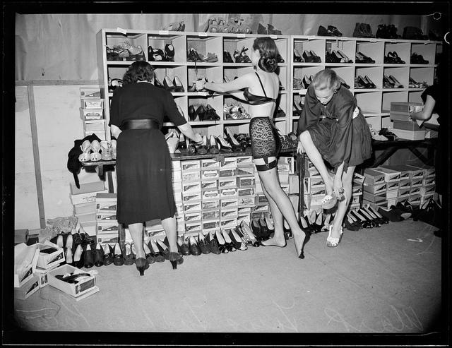 Backstage, Mark Foys fashion parade, Sydney, ca. 1947 / negative for PIX magazine