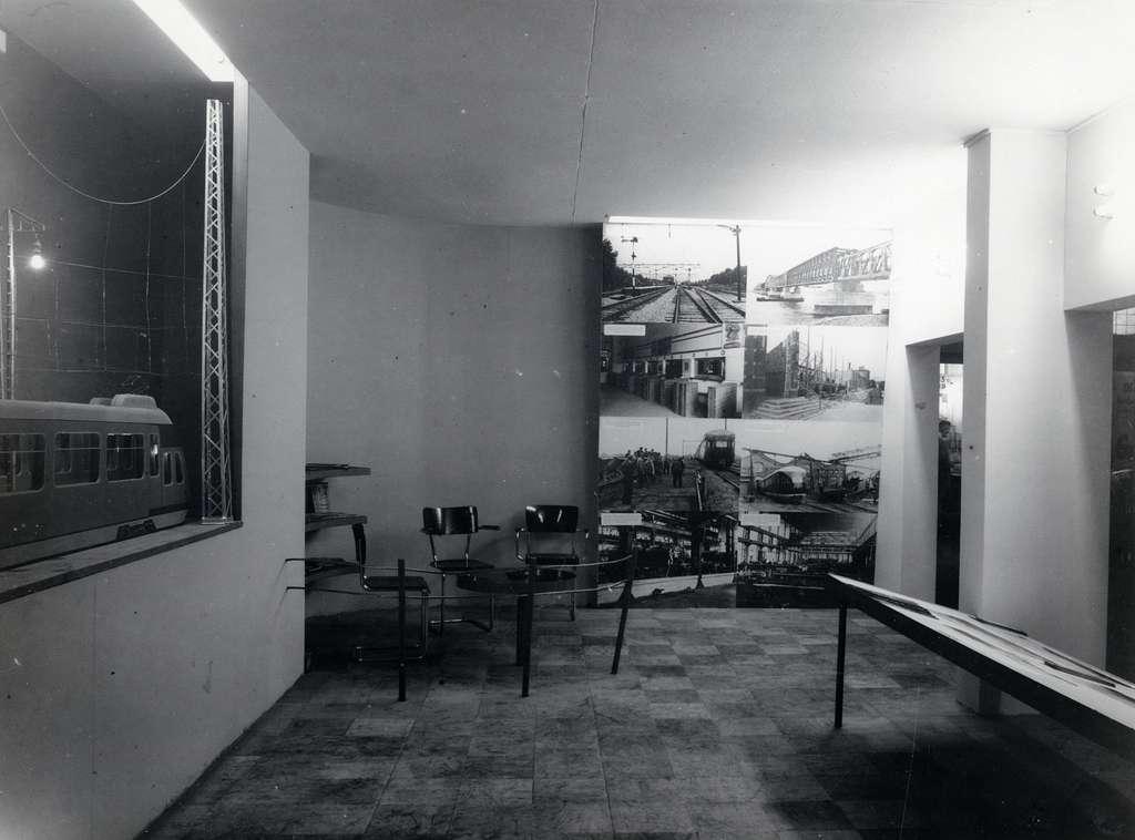 HUA-168224-Afbeelding van de wederopbouw-tentoonstelling van de N.S