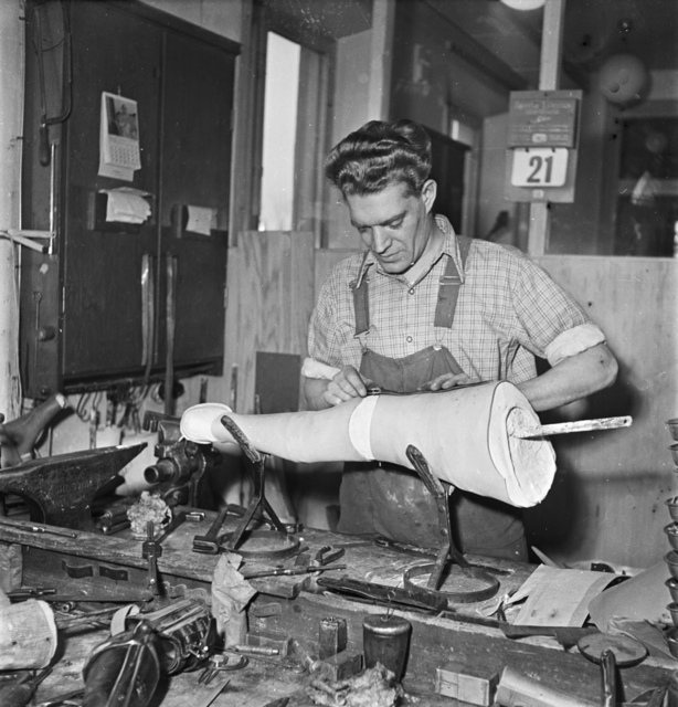 Work with a prosthetic limb in Stockholm 1951