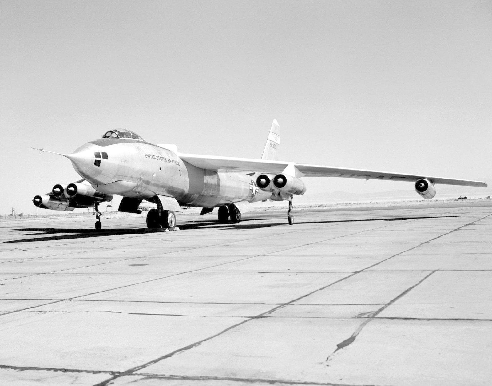 B-47A on ramp E53-1044