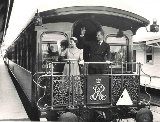 Royal Visit 1954 - Central Station
