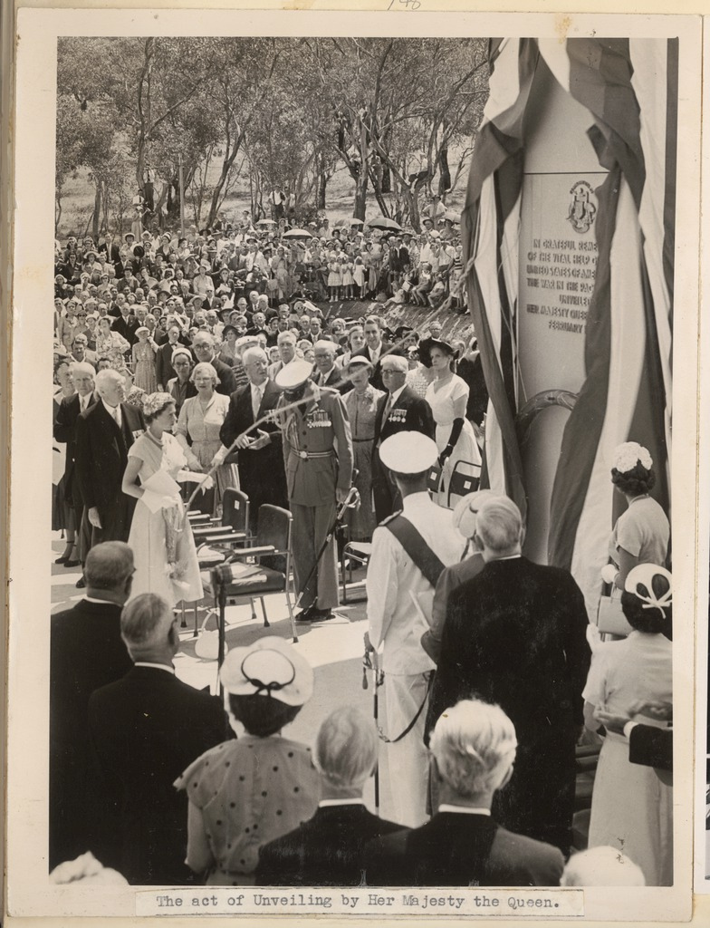 The act of unveiling by Her Majesty the Queen [Elizabeth the Second at the official unveiling of the Australian American Memorial, Canberra, 16 February 1954]