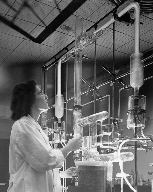 Atomic Laboratory Experiment on Atomic Materials