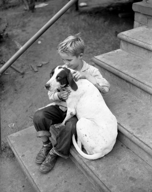 Donald Davis with his hound dog Bell in Tallahassee, Florida