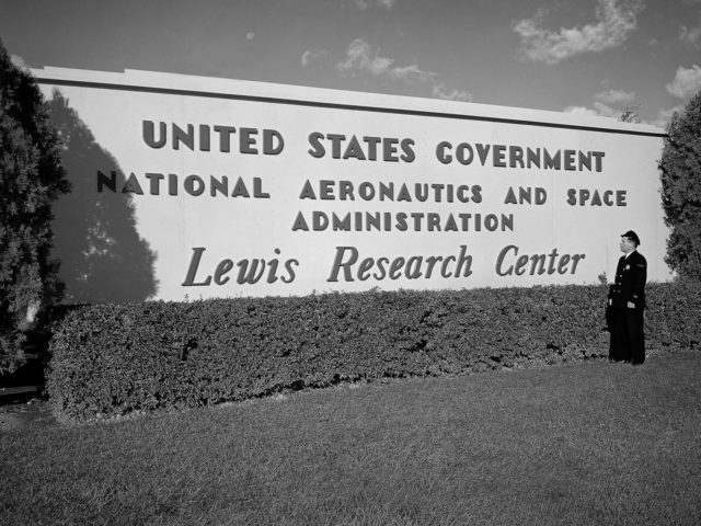 NASA Lewis Research Center replaces the NACA Lewis Flight Propulsion Laboratory