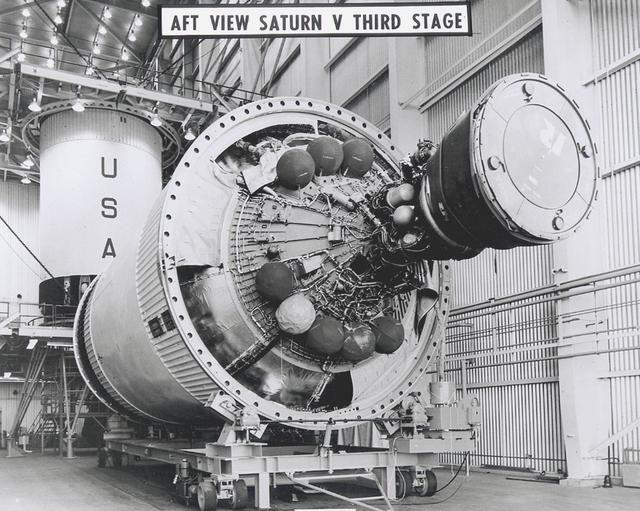 Saturn V - Saturn Apollo Program - J-2 engine