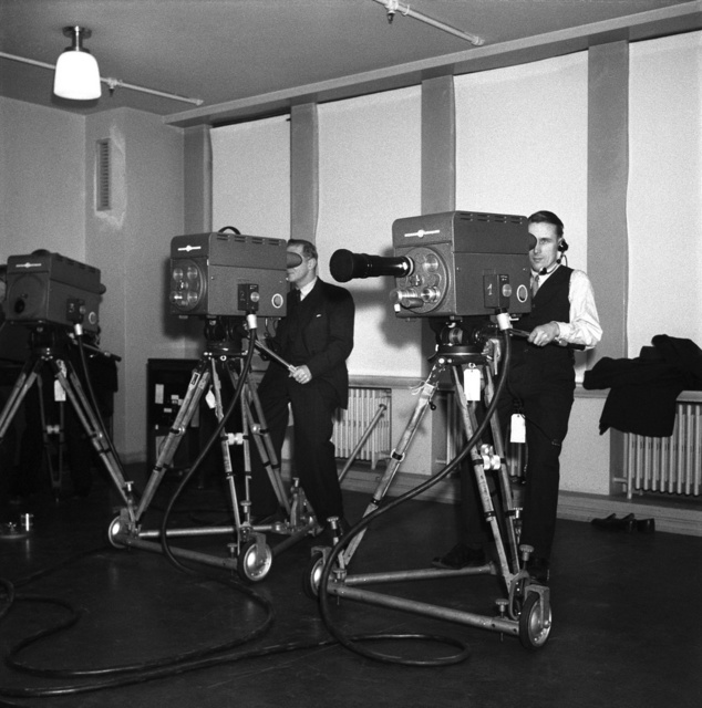 18.11.1950 Television exhibition at Stockmann department store in Helsinki