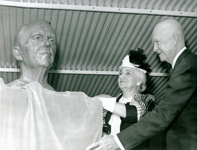 Eisenhower Unveils Marshall Bust