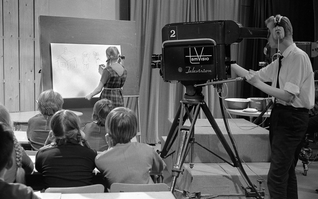 Filming a television program at Frenckell's studio in Tampere, 1.2.1965