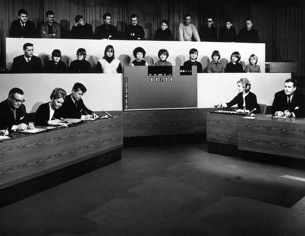 Tesvisio's The Record Jury