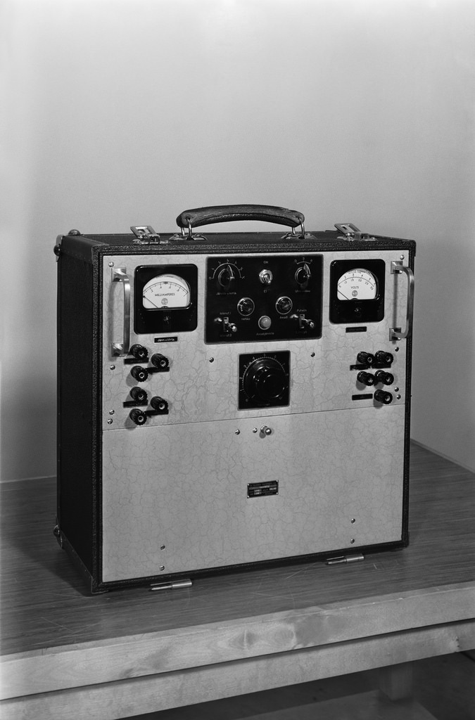 The Olympia 40/1 line amplifier made in Yleisradio's workshop and intended for the broadcasting of the 1940 Olympics, which were later cancelled.