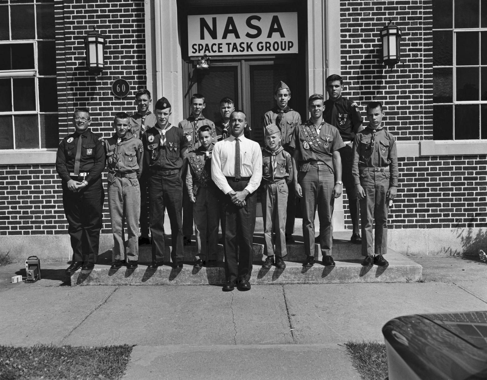 astronauts that were boy scouts - HD1600×1248