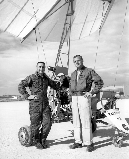 Gus Grissom & Milt Thompson With Paresev