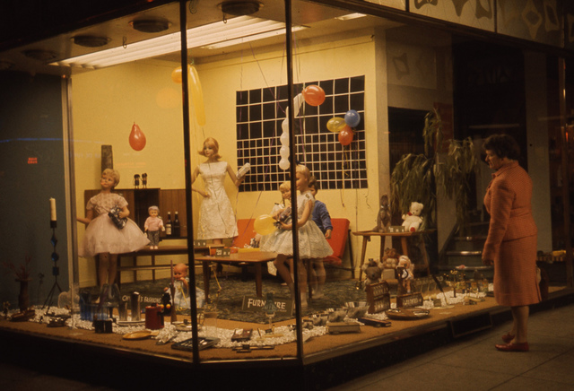 Broadloon Mill Shops festive windows