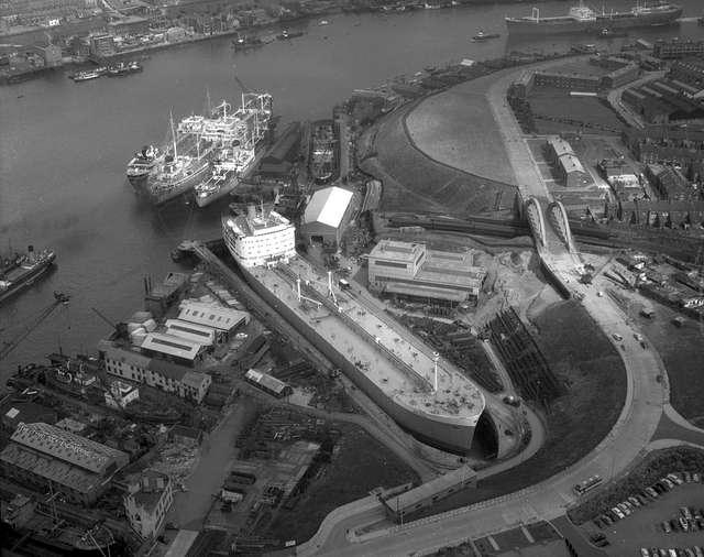 Ship repair yard of Brigham & Cowan, 1962