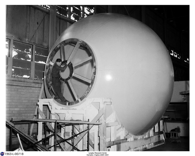 Construction of Model 1 used in the LOLA simulator