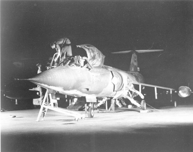 Lockheed F-104C 56-0890 RTAFB Udorn 1967 [USAF via RJF]