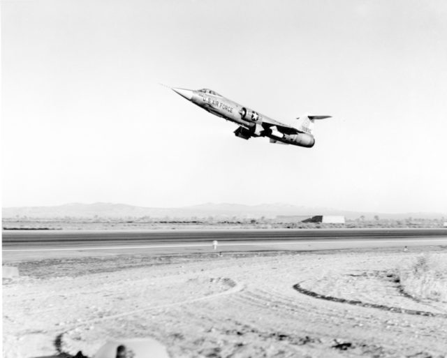 Lockheed F-104C 57-0930 [mfr LA 2375]
