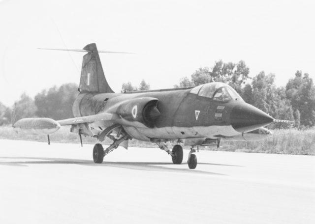 Lockheed F-104G [Canadair] cn 6133 64-17788 Helliniki Aeroporia  (Greek AF via RJF)